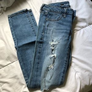 AE Distressed Skinny Jeans Jeggings